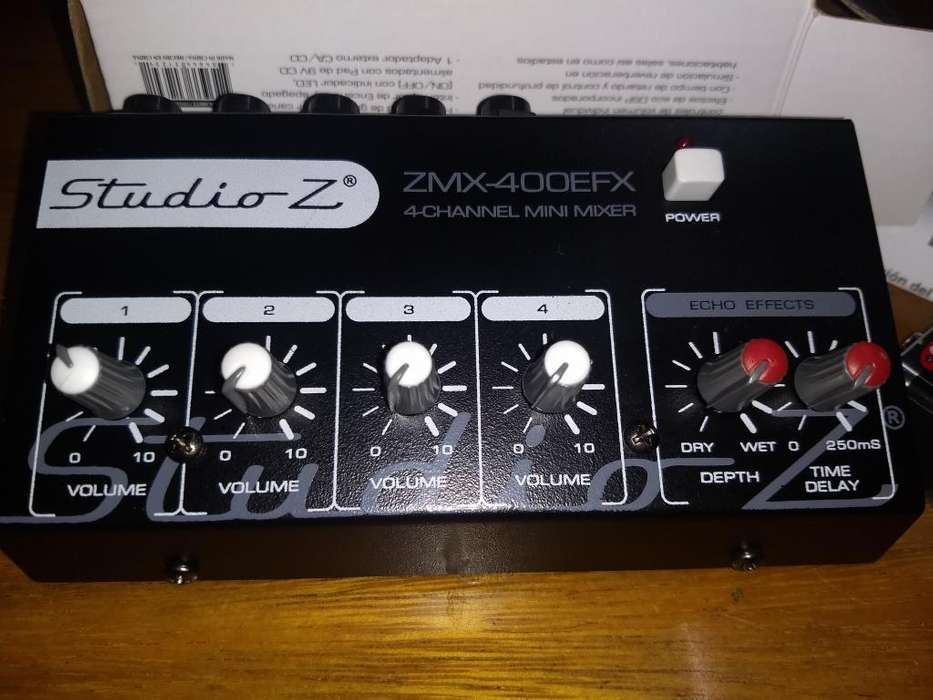 Mini Mixer Studio Z 4 canales Mic Eco delay