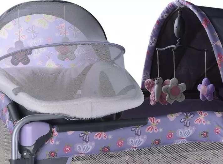 Corral para niña marca ebaby con moises y carpa