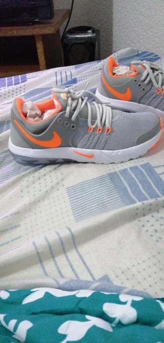 Vendo Zapatilas Nike Nuevas