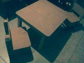 juego de mesita y sillitas