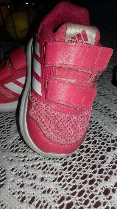 Vendo Zapatillas Adidas Talle 20