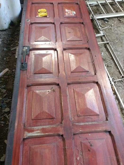 Puerta Garaje Más Ventanas en Granadillo