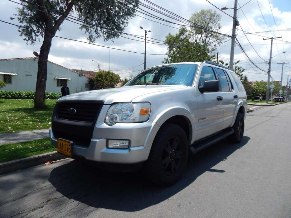 Ford Explorer 2008 - 97000 km