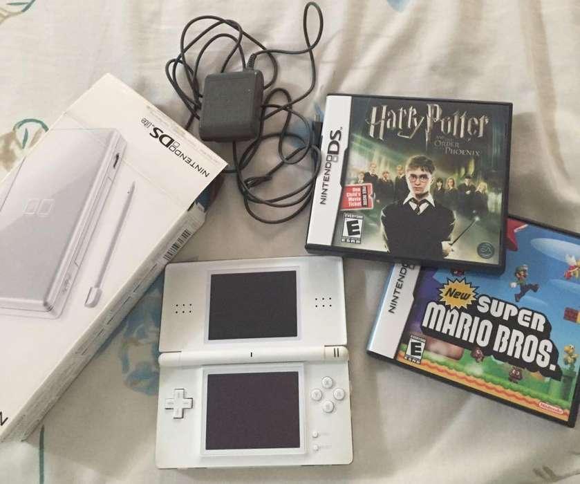 Nintendo DS Lite blanco 2 juegos cargador