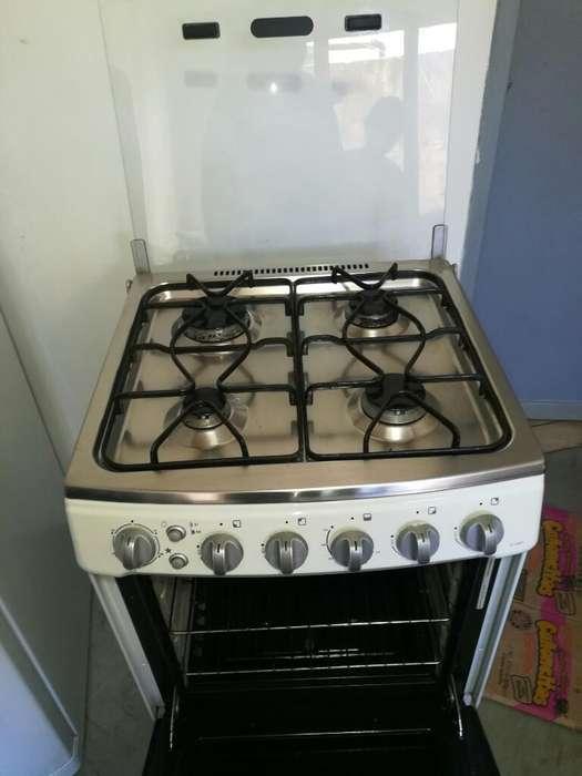 Cocina Electrolux Ec56bft Tapa de Vidrio
