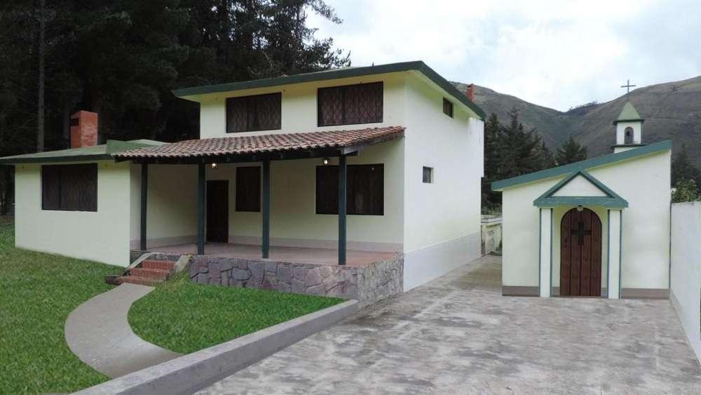 Venta de Casa en Raycoucho Cerca a Calacali por refaccionar