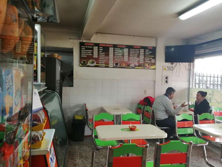 Se Vende Cafeteria-<strong>restaurante</strong>-fruteria