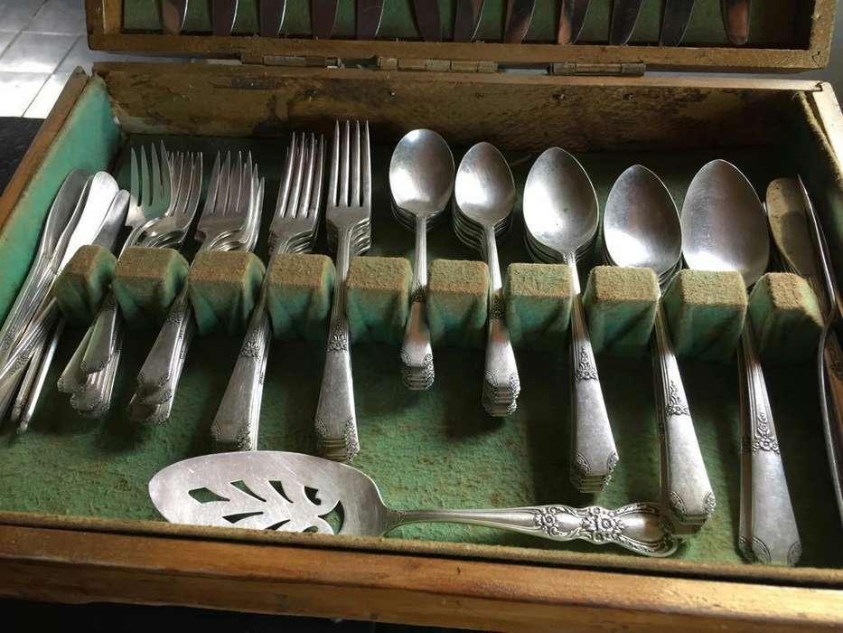 Juego de Cucharas Y Tenedores de Plata