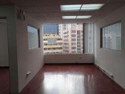 Oficina en renta en secor La Carolina, República del Salvador, centro norte de Quito, cerca a Quicentro