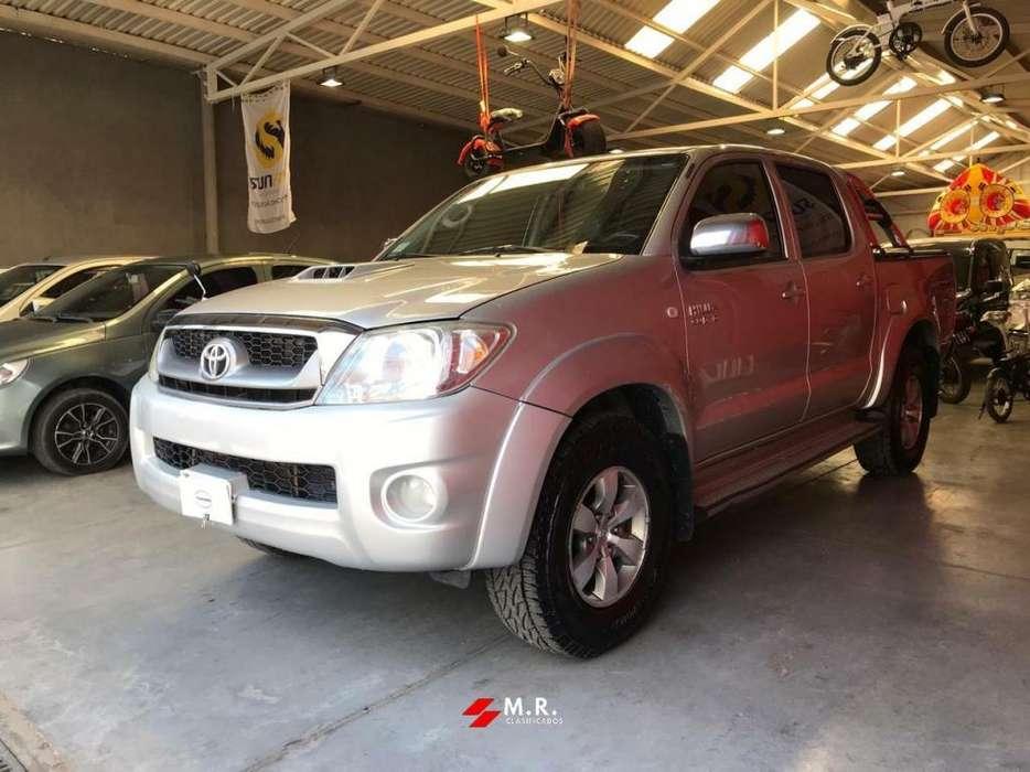 Toyota Hilux 2010 - 176000 km