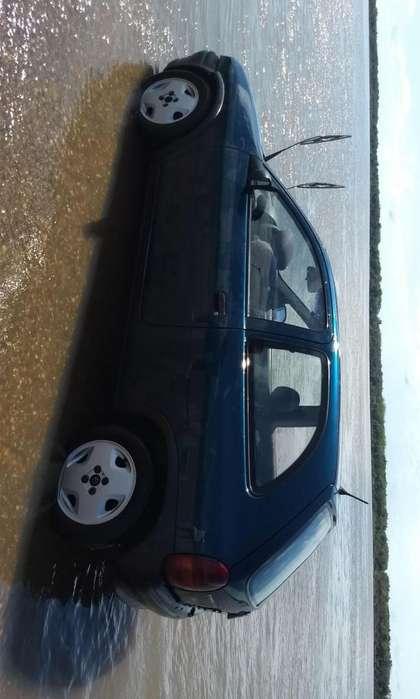 Chevrolet Corsa mpfi 16
