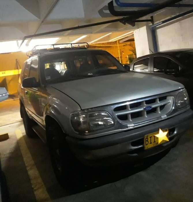 Ford Explorer 1997 - 17000 km