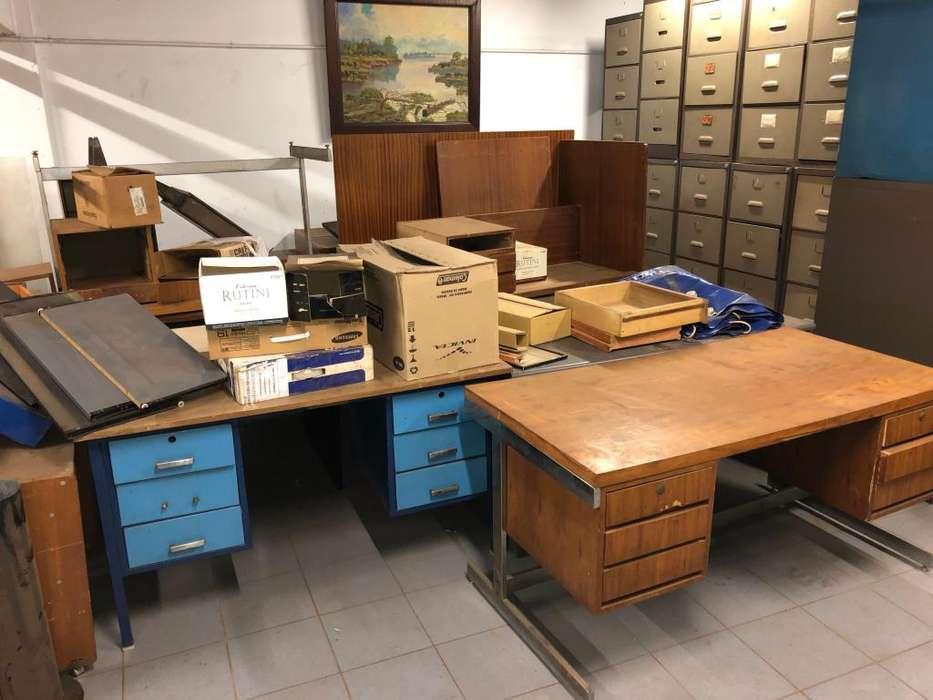 Muebles y <strong>escritorio</strong>s