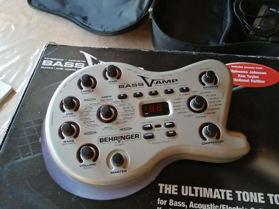 Pedal para bajo Behringer Bass V-amp