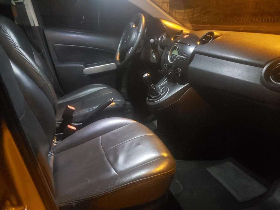 Mazda 2 2013 - 95000 km