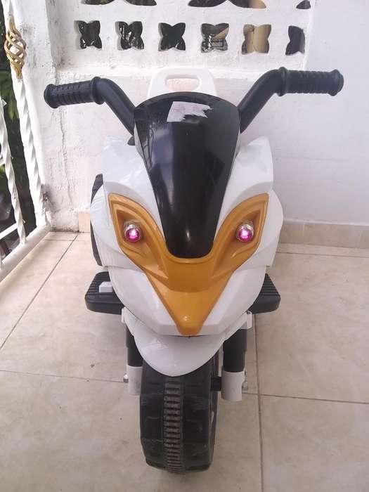Vendo Moto Recargable para Niño (a).