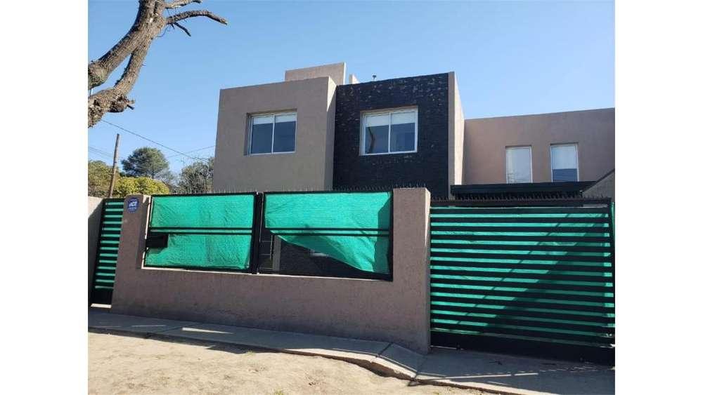 Av C Gauss 4700 - 25.000 - Casa Alquiler