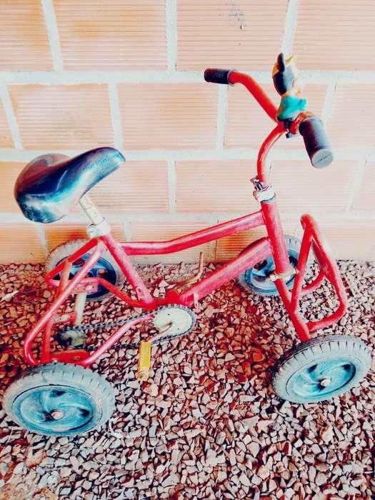 Vendo Cuatriciclo a Pedal P/ Niños 1500