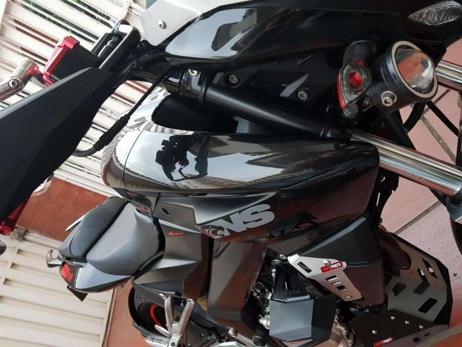 Pulsar NS200 Full Accesorios