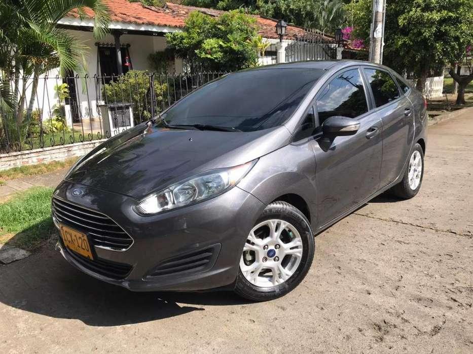 Ford Fiesta  2015 - 62000 km