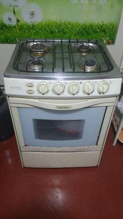 Se vende cocina Indurama
