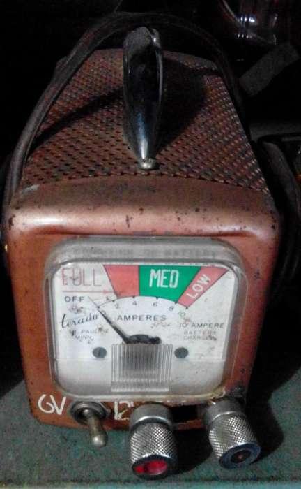 CARGADOR BATERIAS 6V 12V FUNCIONAL CLASICO.