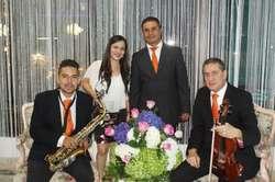 Coro para Bodas y Matrimonios en Medellín. Angélica Valencia Cantante Profesional. Grupo Musical. Músicos