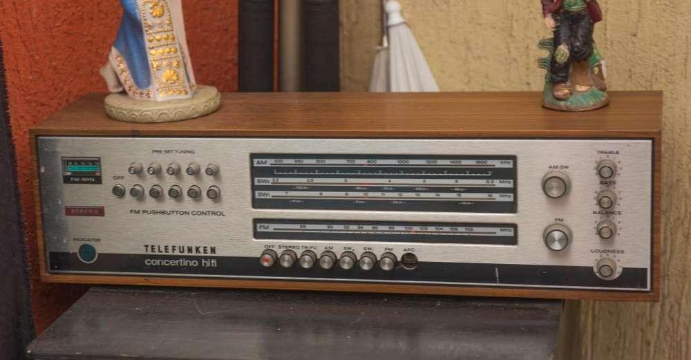Radio antiguo marca Telefunken