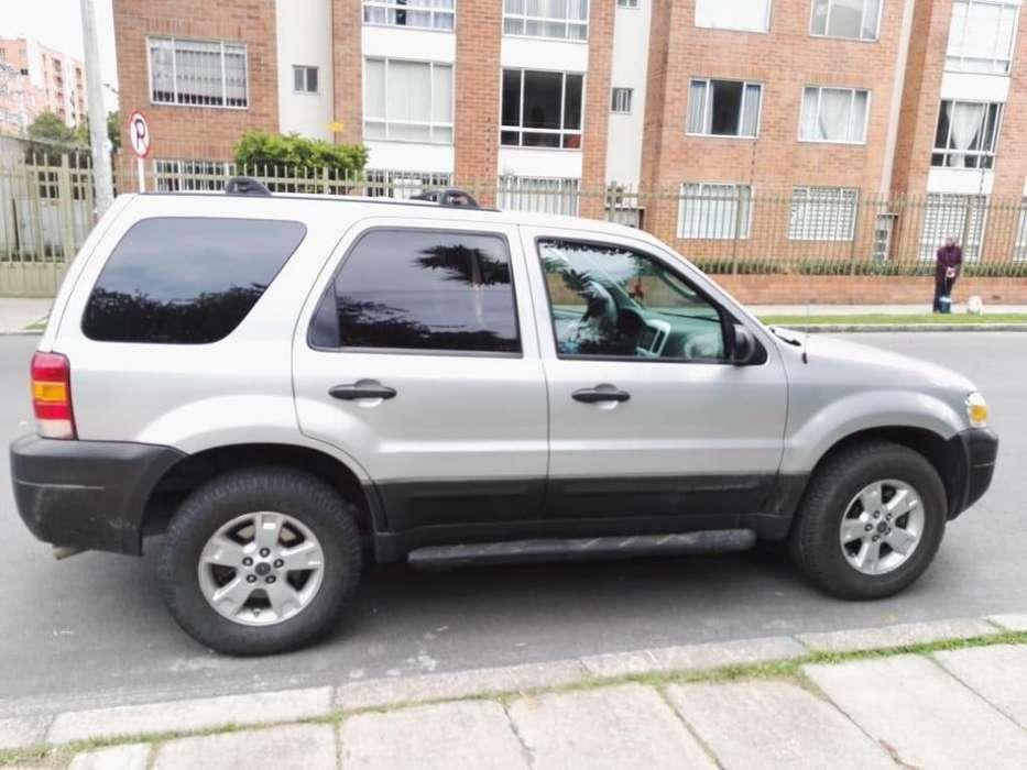 Ford Escape 2005 - 80000 km