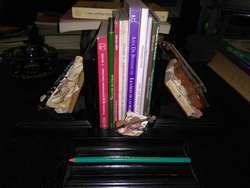 Hermoso Sujeta Libros de Escritorio Violin y clarinete . prensalibros