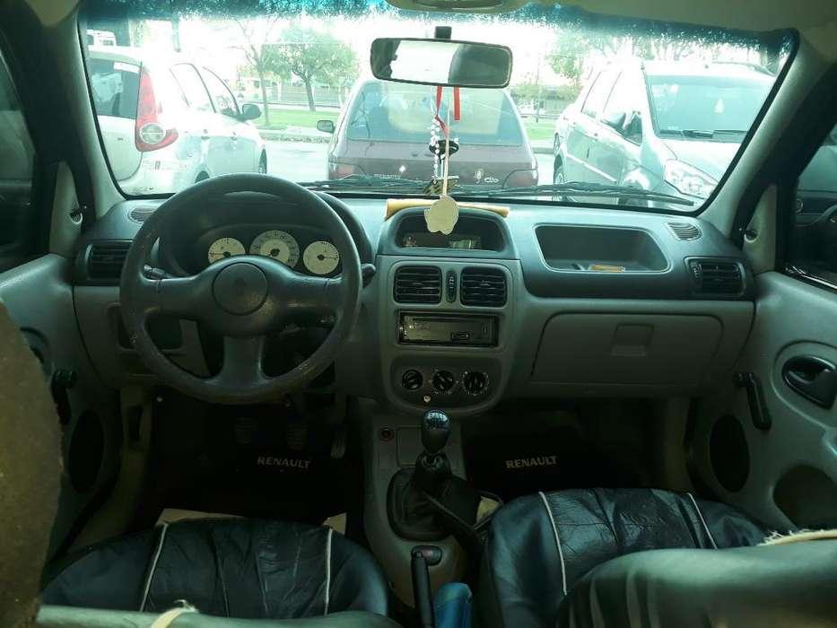 Renault Clio  2006 - 230000 km