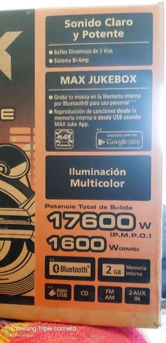 Vendo Equipo de Música Panasonic