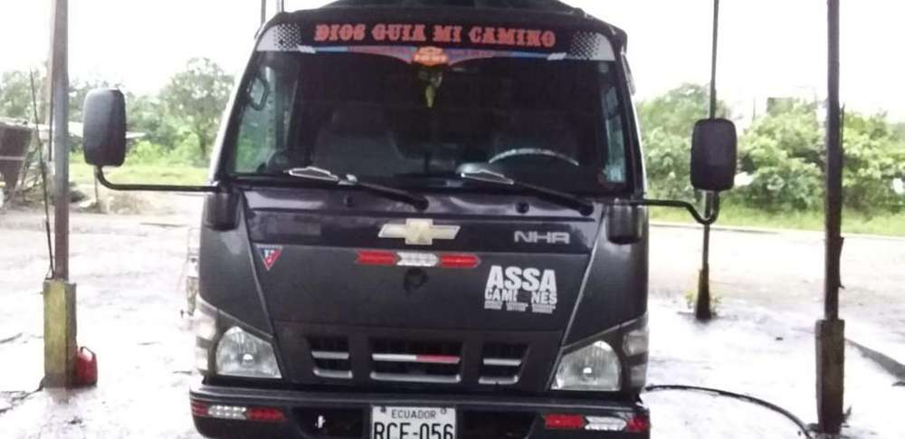 Vendo Camion Nhr 0993904423