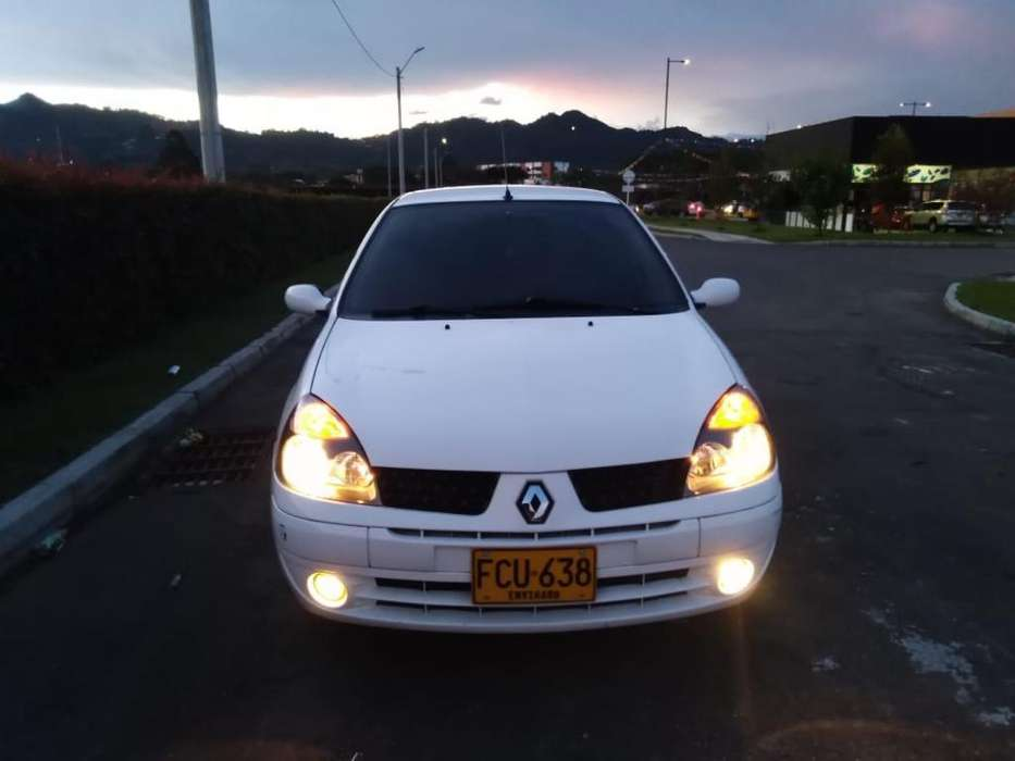 Renault Clio  2007 - 92130 km