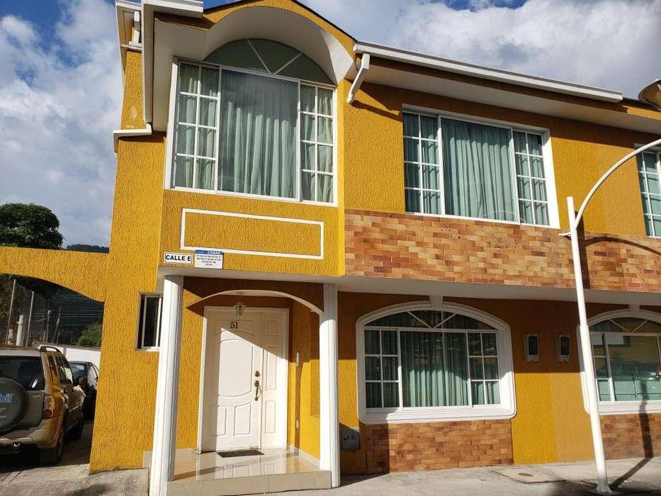 Venta Casa en Conjunto Habitacional, Sector Mirasierra, Valle de los Chillos, Zona Segura