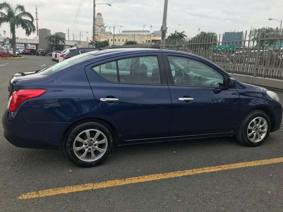 Nissan Versa 2014 - 120000 km