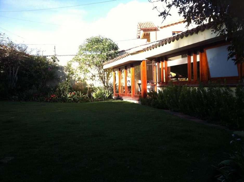 Arriendo hermosa casa amoblada en tranquilo, seguro y muy buen sector de Gratamira 4279266