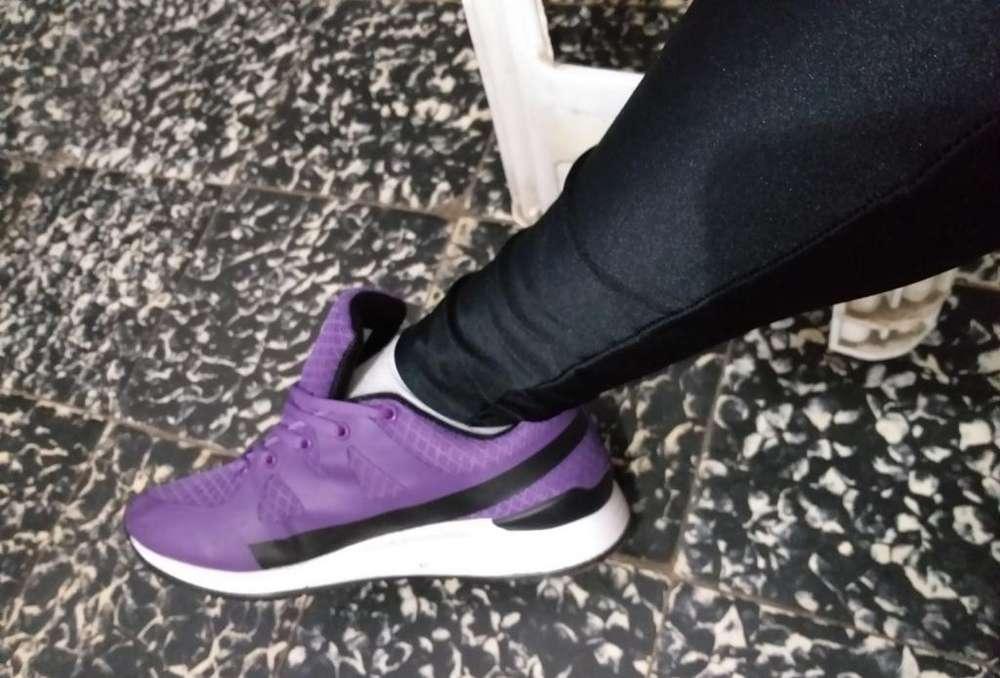 Zapatillas Deportivas, Lila