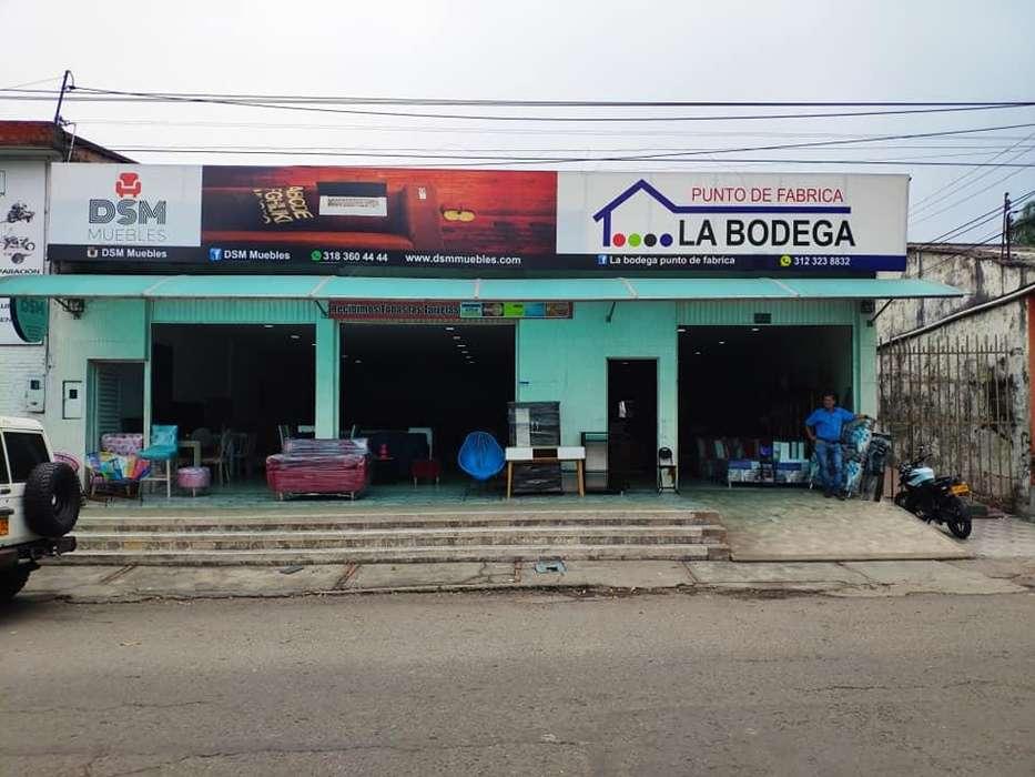 Bodega Comercial, Sobre avenida principal