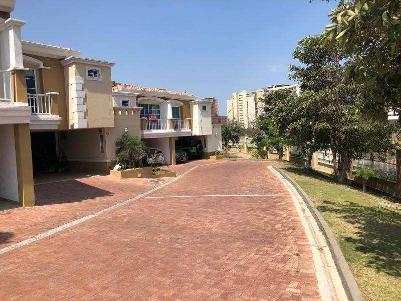 Casa Condominio En Arriendo/venta En Barranquilla La Castellana Cod. ABINU20713