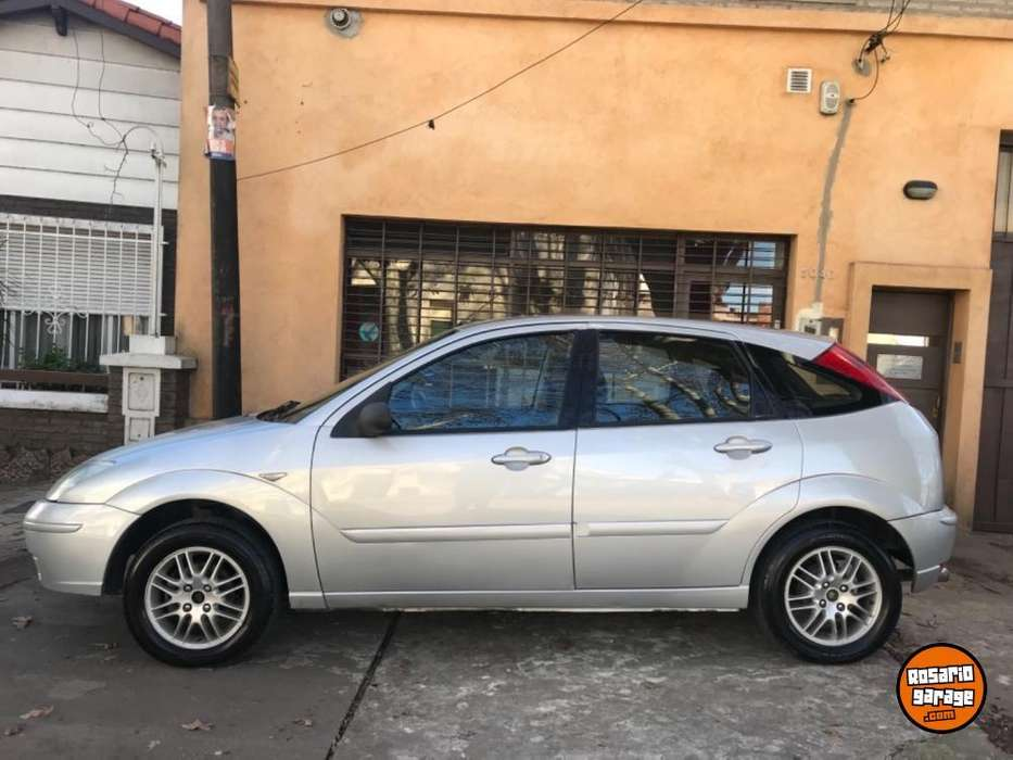 Ford Focus 2004 - 100 km
