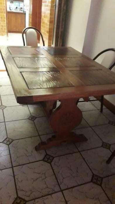 Mesa de <strong>comedor</strong> madera extensible