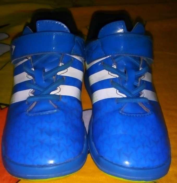 Vendo Zapatillas de Niño Talla 27