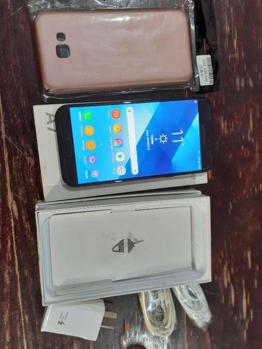 Samsung A7 Impecable con Accesorios