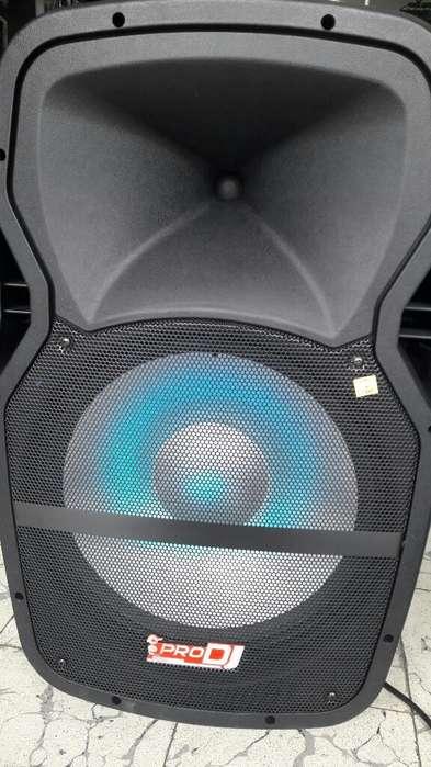 Bafle amplificado de 15 con Luz Led