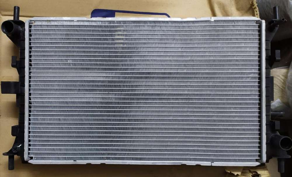 Radiador P/ Ford Focus 1.8 Diesel Endura/2.0 Zetec Naf