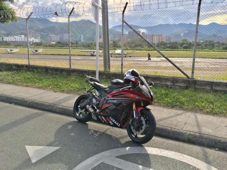 Vendo <strong>yamaha</strong> R6 R modelo 2008