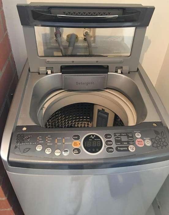 Lavadora LG 12 Kg carga superior
