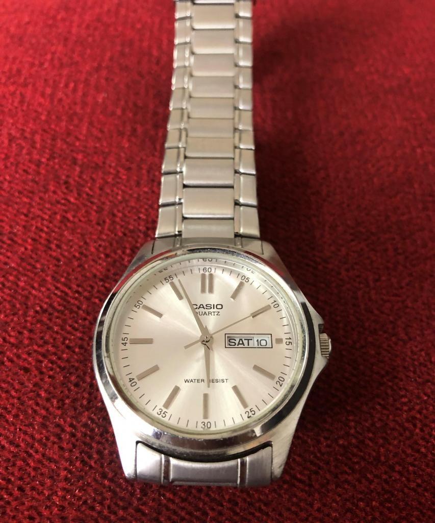 00c9cbf10622 Elegante reloj marca Casio de acero para hombre - Lima