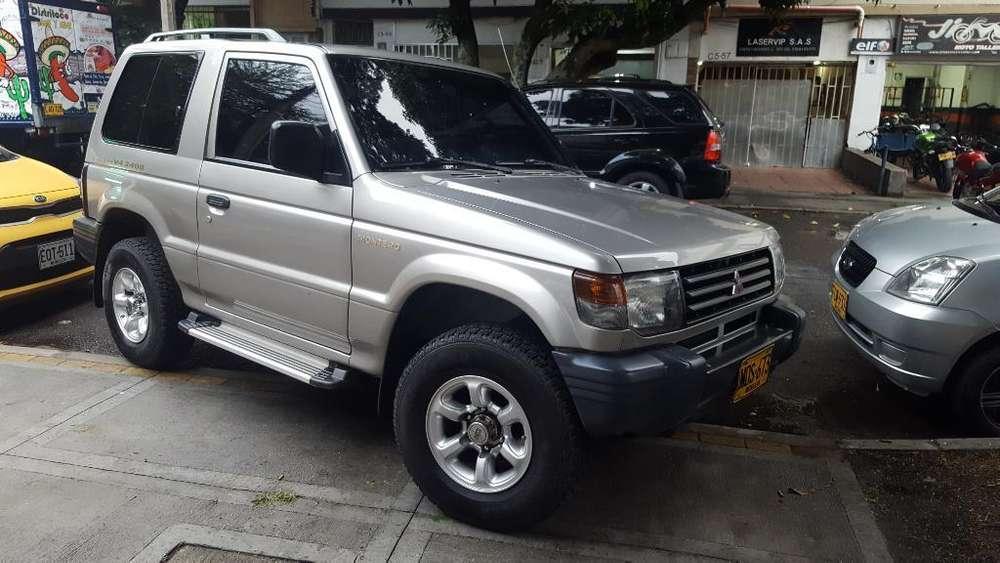 Mitsubishi Montero 2010 - 102000 km